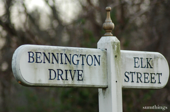 Walking_bennington_sign